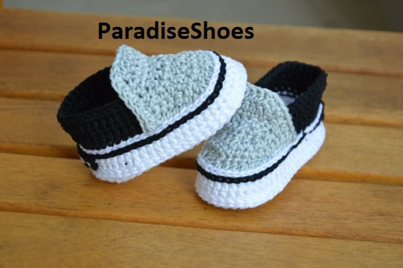 7361e38d7e3c12 Vans shoes Crochet Baby Booties