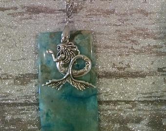 Seaside dreams agate mermaid necklace