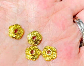 17 Pieces 8MM Bali Bead Cap Gold Plated 740