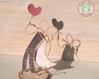 Enamored on wood slice - Machangos Paper Art