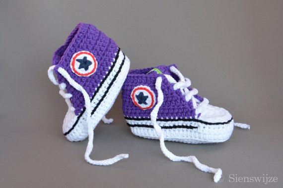 Lila Baby Converse ähnliche Turnschuhe, häkeln Babyschuhe, handgemachte Babyschuhe, 3 9 mos