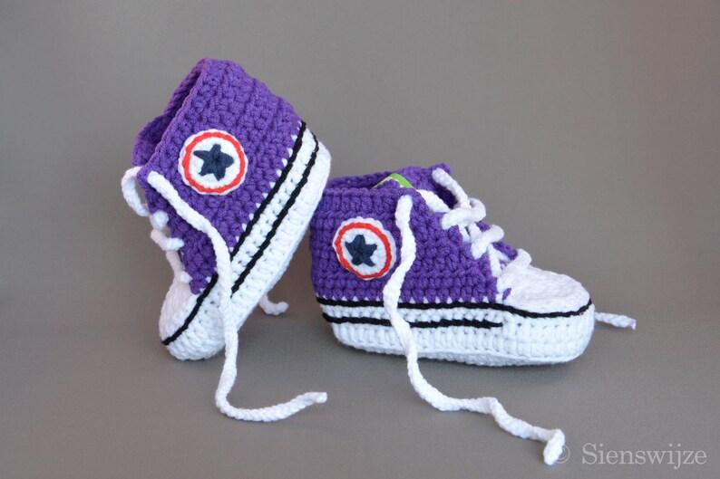fb648271dc5ca Purple Baby Converse-jak trampki szydełkowe buty dla | Etsy