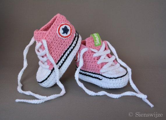 Rosa Baby Converse ähnliche Turnschuhe, häkeln Babyschuhe, handgemachte Babyschuhe, 3 9 mos