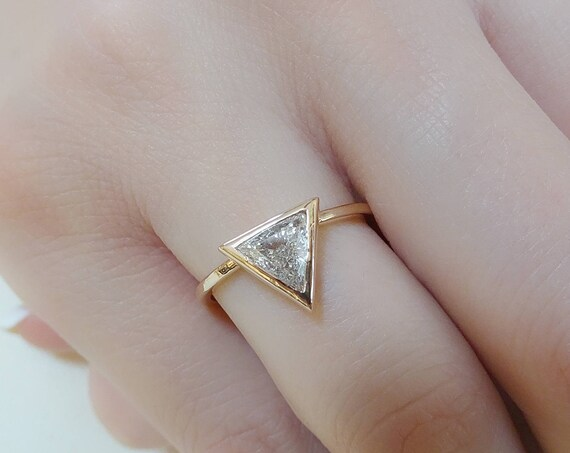 Trillion Engagement Diamond Ring // 0.70 Carat Trillion Shaped Diamond Ring // Triangle Cut Diamond Ring // Simple Diamond Ring