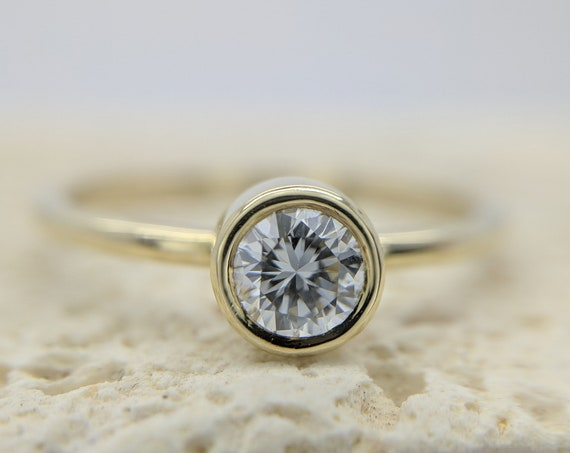 Bezel Set Engagement Ring | Custom Diamond Ring | Certified Diamond Engagement Ring | Round Brilliant Diamond Solitaire | GIA Diamond Ring