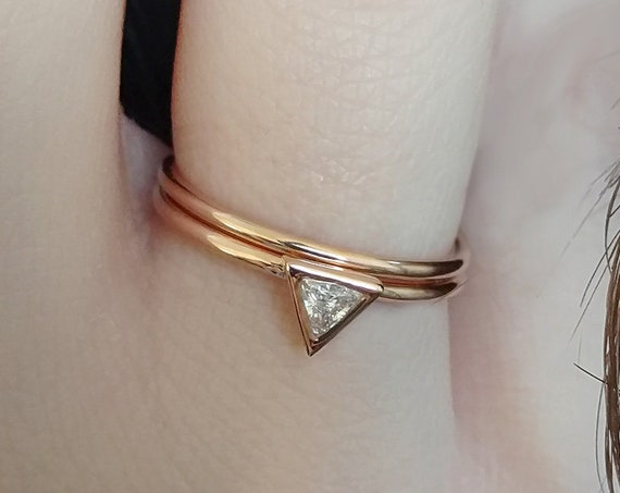 Delicate Triangle Diamond Ring Set Trillion Minimalist Engagement Ring & Plain Gold Wedding Band