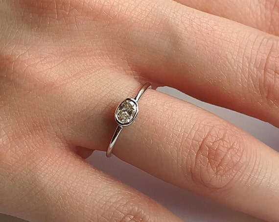 Oval Diamond Engagement Ring | 14K Gold Oval Diamond Solitaire