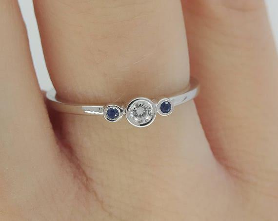 Black & White Diamond ring // Three Stone Engagement // Minimal 3 Stone Ring // Thin Diamond ring