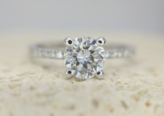 Certified Classic Diamond Engagement Ring Accent Round Brilliant Diamond Solitaire 0.35-0.72 Carat Delicate Simple Modern Engagement Ring
