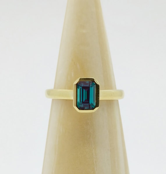 Alexandrite ring | Alexandrite Engagement Ring | Alexandrite Stone | Color changing alexandrite gemstone | Gift For Women