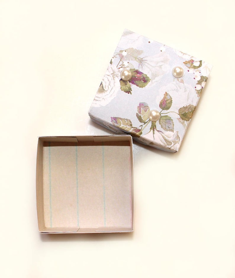 Gift box with lid roses flowers design jewelery packaging wrapping case packet jewelry ring box small present box