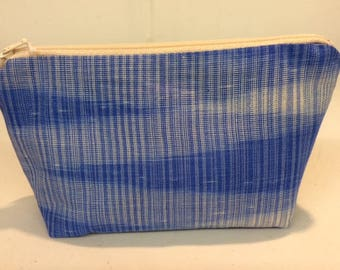 Medium sized zipped purse with hand-dyed and handwoven front panel in silk.