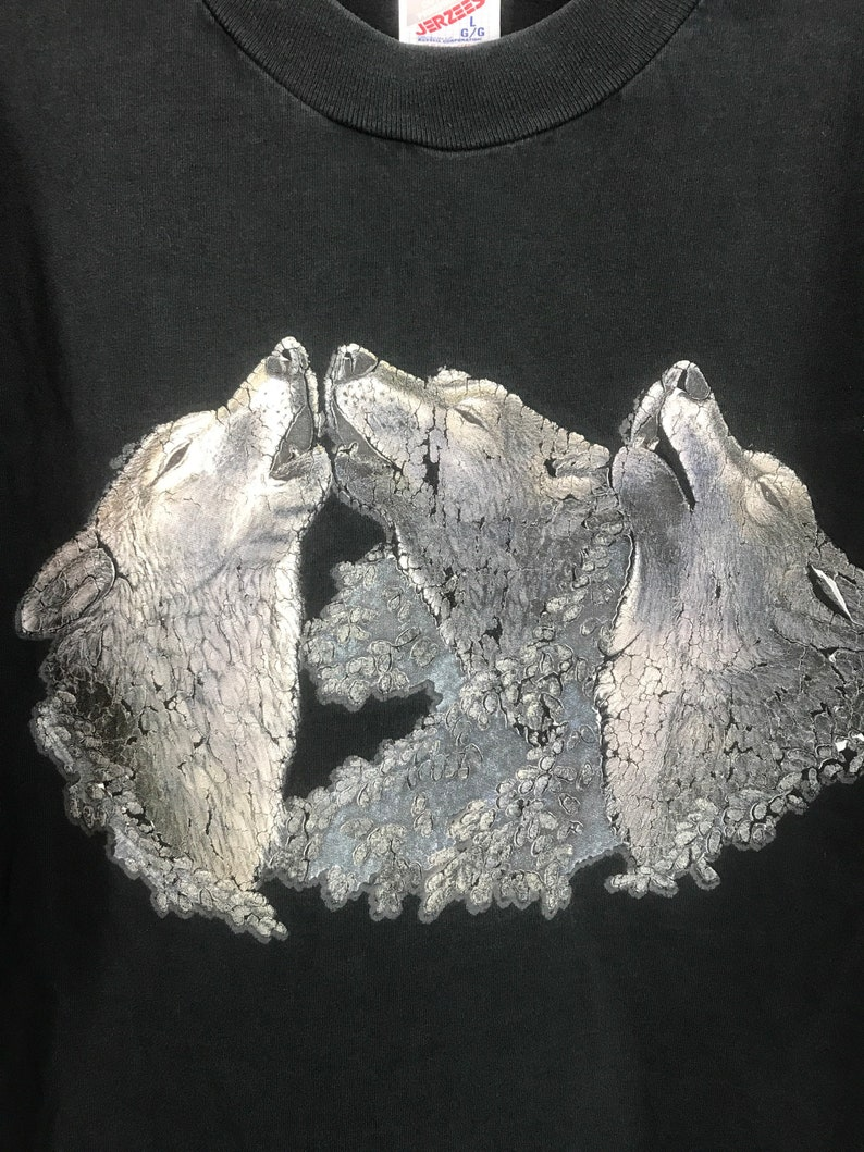 Vintage wolf t shirt 90s wildlife graphic soft worn in jerzees made in usa