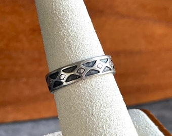 Sterling Silver Ring Band Triangular Pattern, Free Gift Wrap
