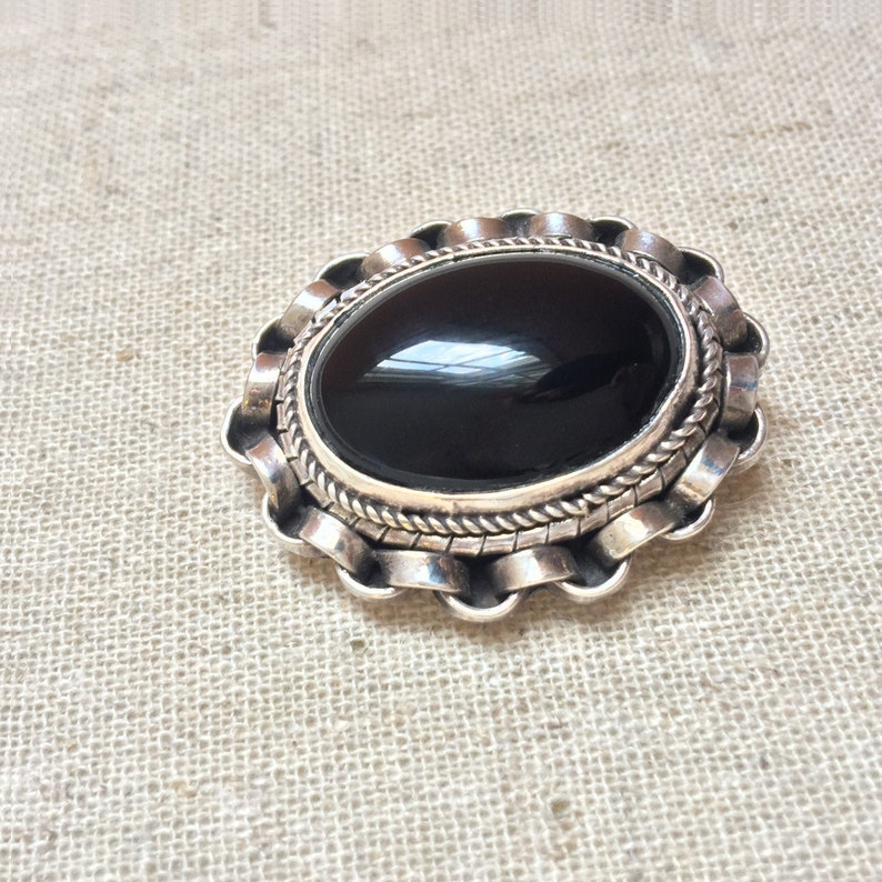 Sterling Silver Onyx Pin Brooch Black Silver Chain Link image 0