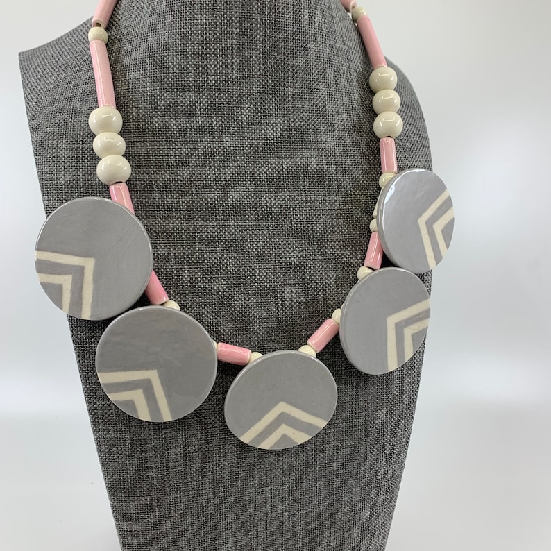 Parrot Pearls Necklace Collectible Pink Grey Beaded image 0