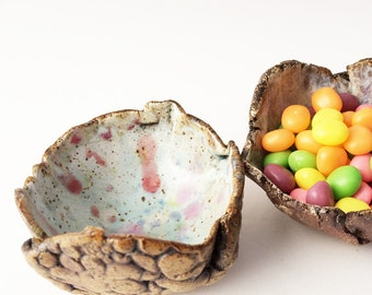 Small Bowls, Scrunchy Snack Cups. Trinket Dishes, Small Wrinkled Pottery Bowls. Rustic, Primitive, Primitive, Pastel, Wabi Sabi
