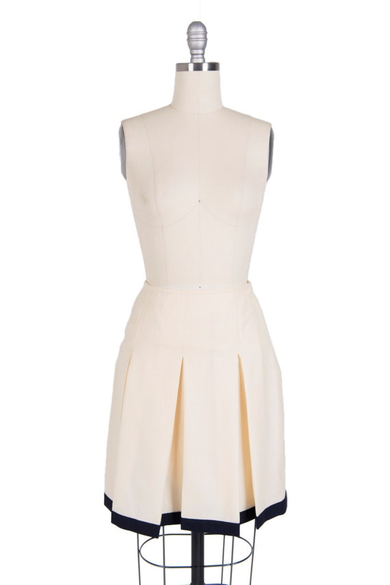 Vintage 1960s pleated skirt - Retro 60s cream and