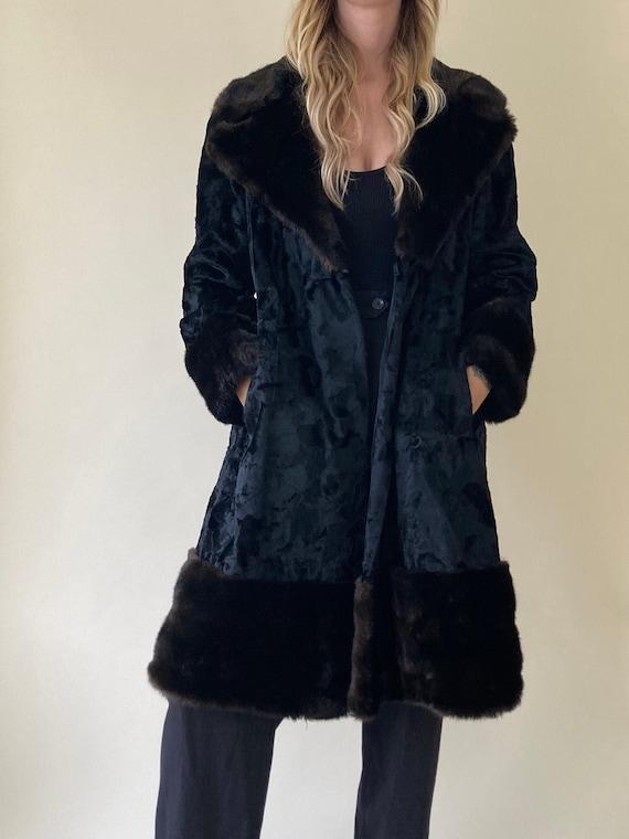 90s Black Crushed Velvet & Faux Fur Coat // Small