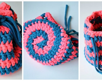 T-shirt yarn Spiral Bag. A Crochet PDF Pattern