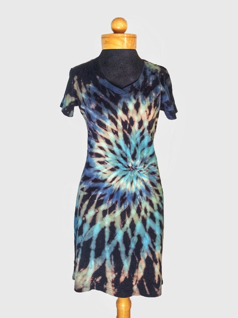 34c7d99bd5b7 BLUE DREAM Opposing Spiral Reverse Tie-Dye T-Shirt Dress