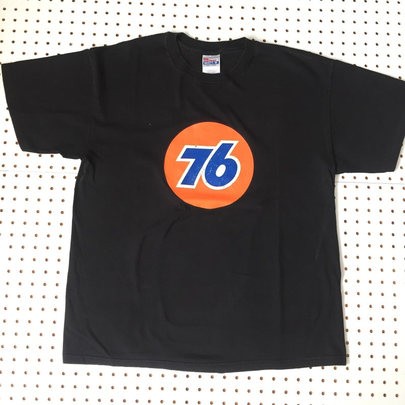 025c51ae49e6 90s 76 racing team logo t shirt porsche racing gulf gt stp image 0 ...