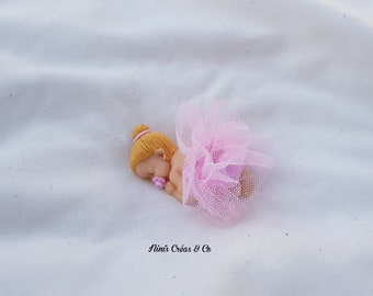Miniature baby girl with polymer clay and tulle