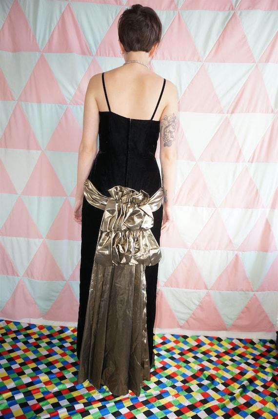 Vintage 80s Black Velvet Evening Dress With Gold … - image 5