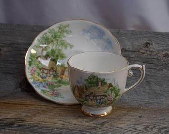 Vintage Tea Cup / Gold Trim ~ made in England ~ Cup and Saucer / Roslyn ~Wayside ~ Tea Cup and Saucer