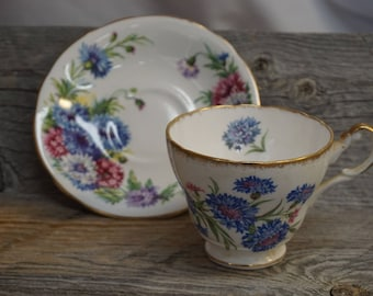 Vintage Tea Cup / Gold Trim ~ made in England ~ Cup and Saucer / Clarence Harvest Glory Tea Cup and Saucer
