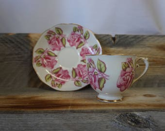 Vintage Tea Cup / Gold Trim ~ made in England ~ Cup and Saucer / Roslyn ~Pink Rose ~ Tea Cup and Saucer