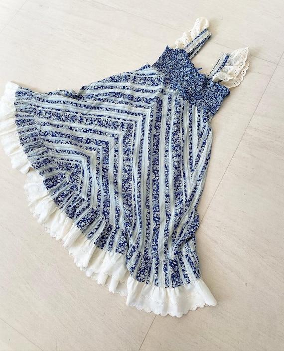 Pretty 70s Prairie Dress
