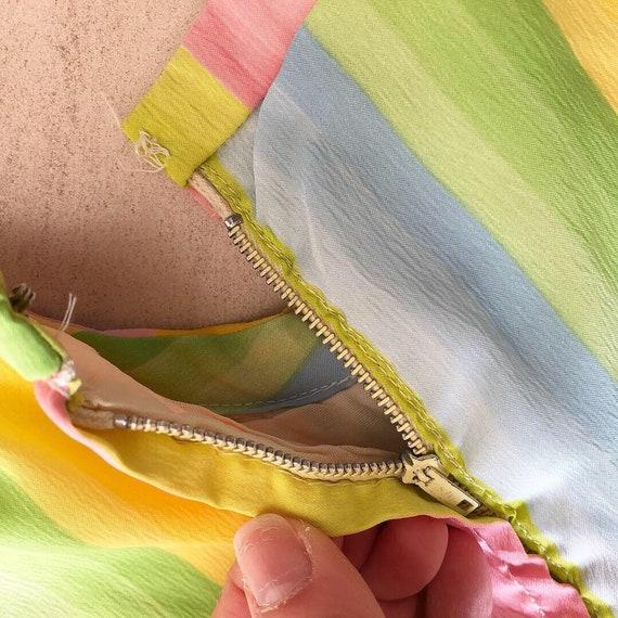 Pretty Pastel Rainbow 50s Dress - image 8