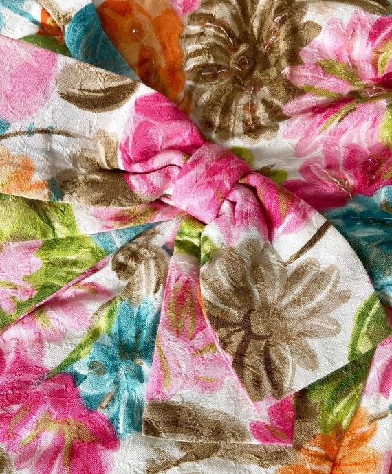 Pretty 50s Textured Cotton Floral Cocktail Dress - image 4