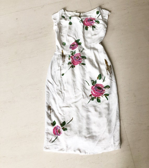 Pretty 50s Rose Wiggle Dress