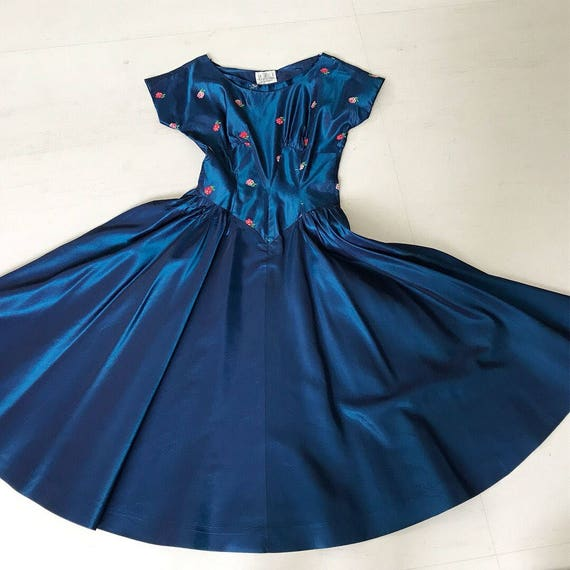 1950s Royal Blue Taffeta Rose dress