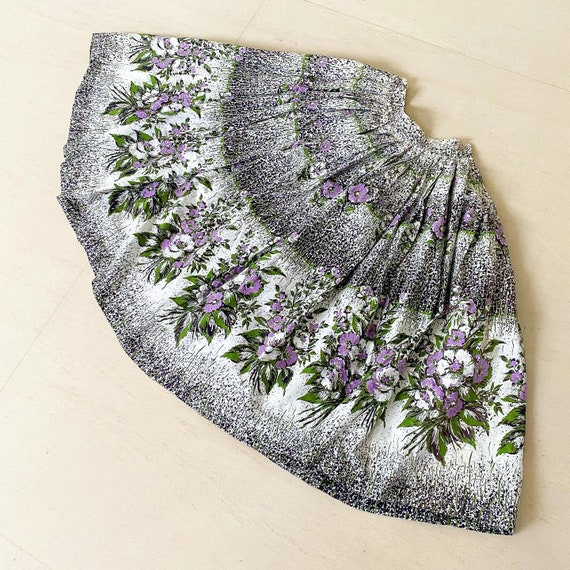 Beautiful 50s Purple Floral Skirt with Striking Bl