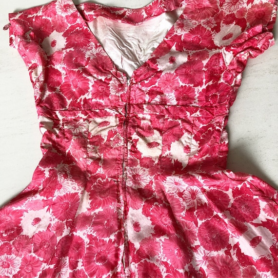 Lovely Gigi Young Daisy Print Dress - image 6