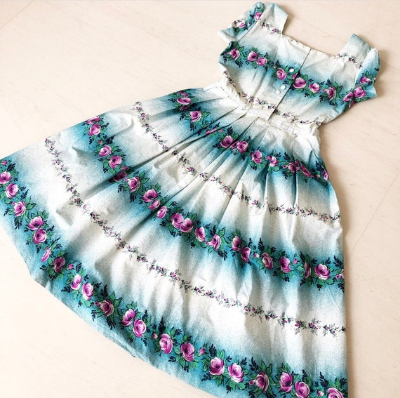 Lovely 50s Rose Bud Floral Dress