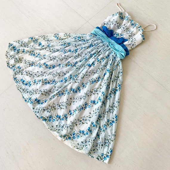 Pretty Blue Floral 50s Sundress