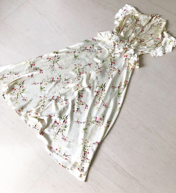 Beautiful 40s Miss Elaine Floral Peignoir