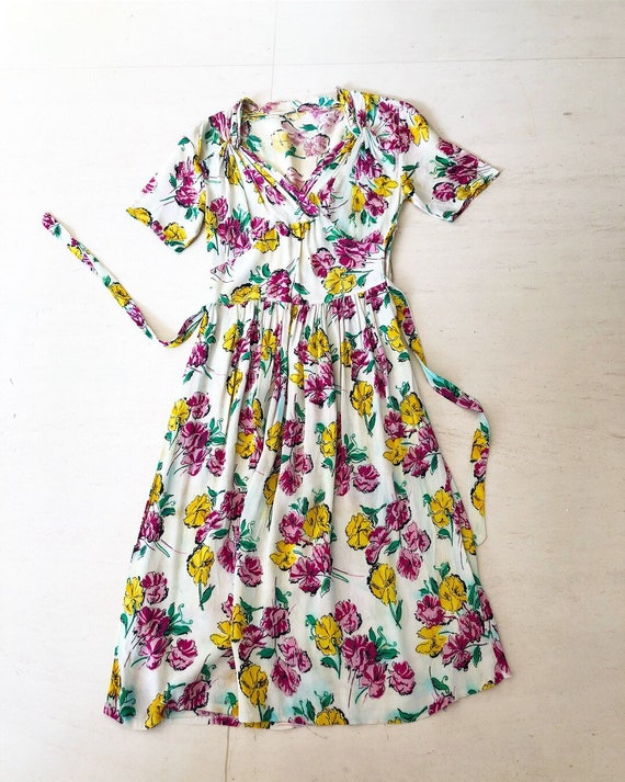 1930/40s Floral Rayon Crepe Dress