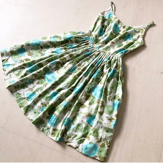 Lovely 1950s Blue Rose Sundress