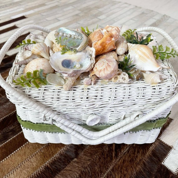 Gorgeous Sea Shells Wicker Basket Purse