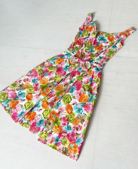 Pretty 50s Textured Cotton Floral Cocktail Dress - image 1