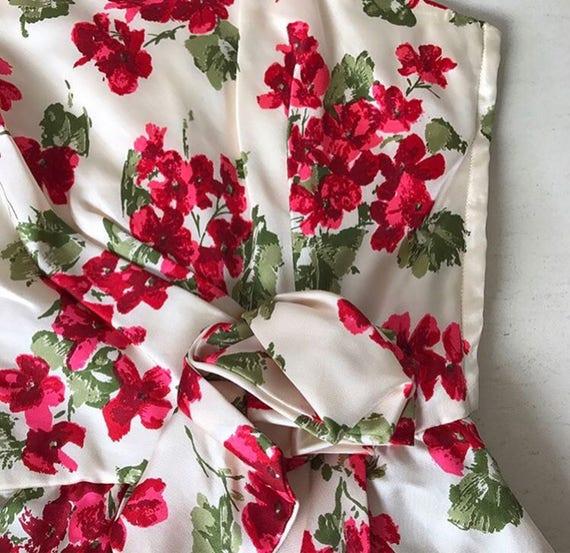 Amazing 1950s Vogue Couturier Design Rose Print B… - image 5