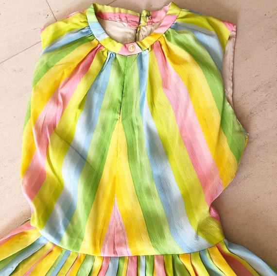 Pretty Pastel Rainbow 50s Dress - image 3