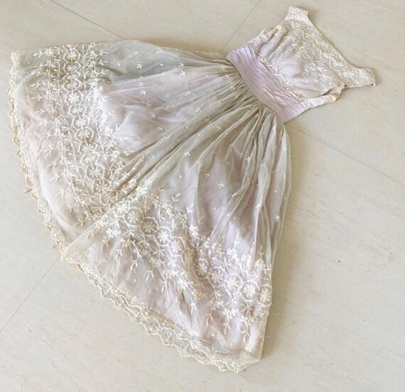 Pretty Pale Lilac 50s Dress