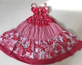 Beautiful 1950/60s Hawaiian multiprint red dress