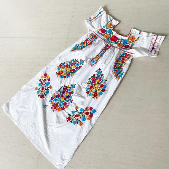 Beautiful 70s Mexican Embroidered Dress